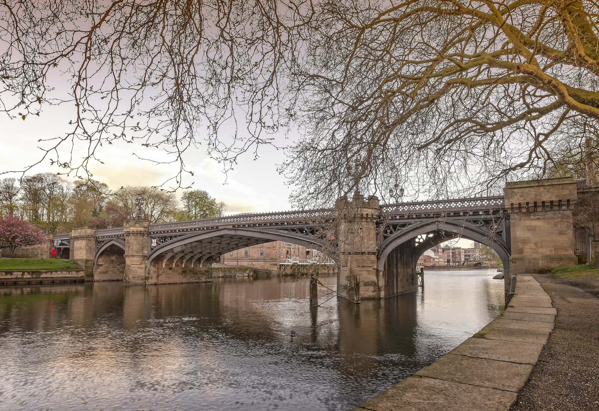 Skeldergate Bridge spans the River Ouse